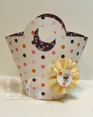 Basket with ribbon flower