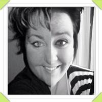 Jessie and me split screen looks like twins