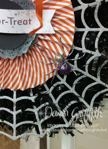 Frightful Wreath up close  spider