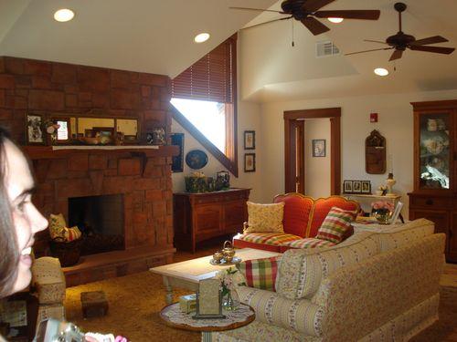 Shelli's apartment ~ Living room