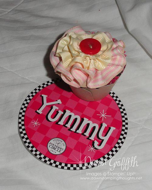 Pillow Gift  cupcake