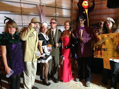Clue  players costumes  Ms Peacock Col Mustard  Ms White  Mr  Green Scarlett  Prof Plum